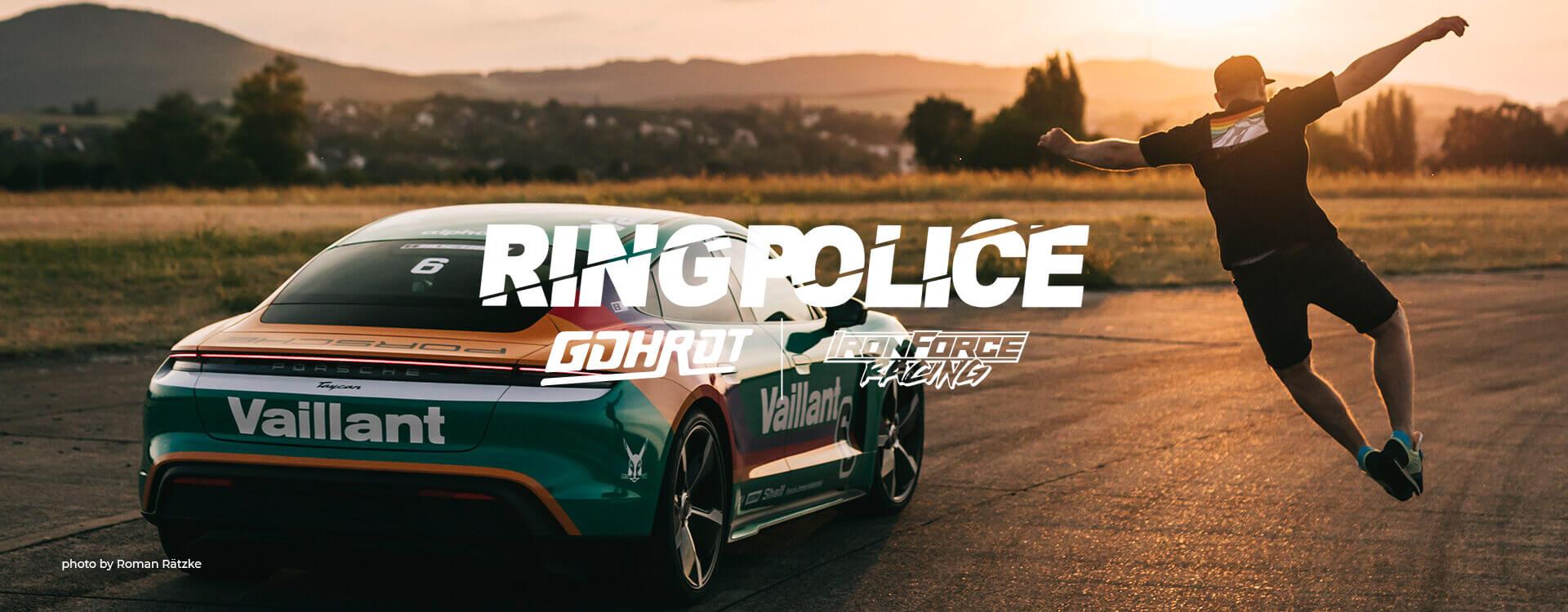 Layout und Logo der E-Commerce-Agentur: BS-Style GmbH. Darstellung des Rennfahrers des IronForce Racing Teams.